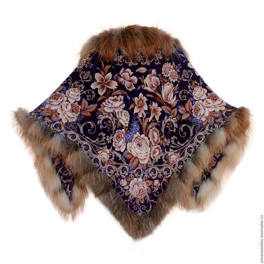 Шелковый платок-косынка с натуральным мехом.