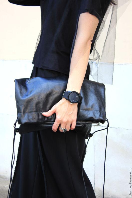 R00089 Черная, стильная сумка из натуральной кожи. Кожаный рюкзак из черной кожи. Клатч кожаный. Дизайнерская сумка