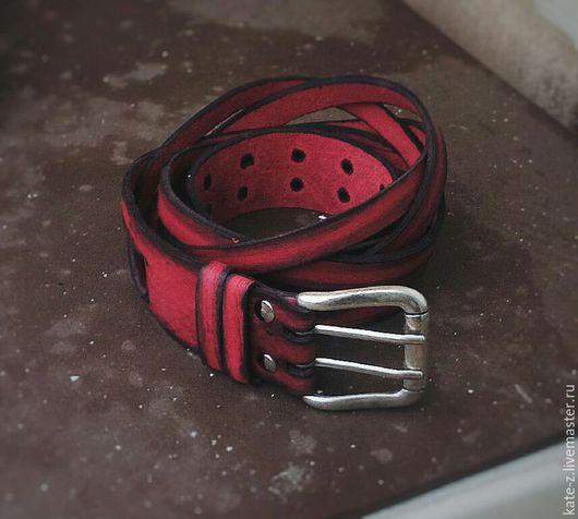 Пояса, ремни ручной работы. Ярмарка Мастеров - ручная работа. Купить Плетеный красный ремень. Handmade. Ярко-красный