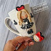 Посуда ручной работы. Ярмарка Мастеров - ручная работа Кружка с девочкой из полимерной глины. Handmade.