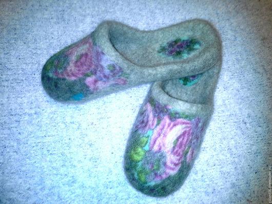 """Обувь ручной работы. Ярмарка Мастеров - ручная работа. Купить """"Магия Розы""""Валяные шлепки. Handmade. Шерсть, комбинированный, войлочные тапочки"""