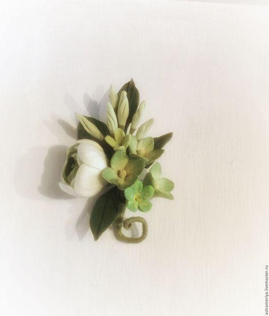 Броши ручной работы. Ярмарка Мастеров - ручная работа. Купить Бутоньерка с цветами из полимерной глины зелененькая. Handmade. Салатовый, гортензия
