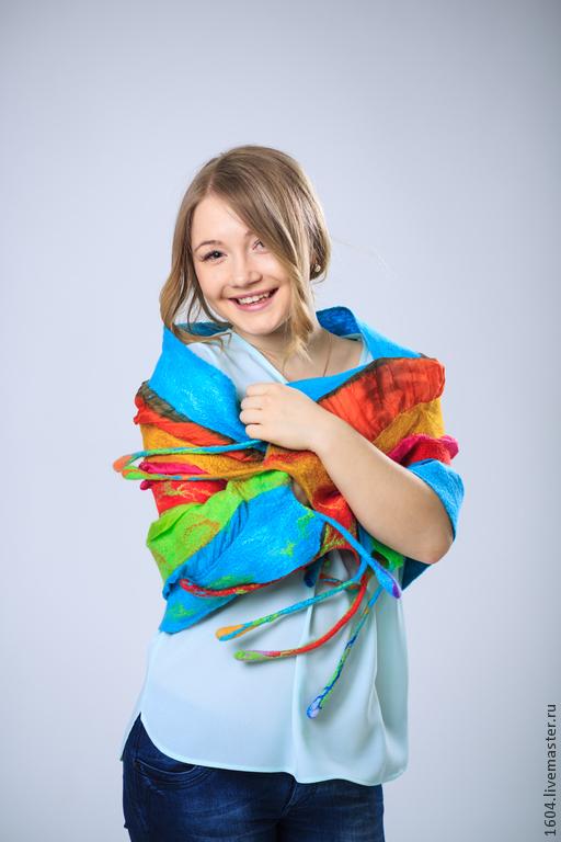 """Шали, палантины ручной работы. Ярмарка Мастеров - ручная работа. Купить шарф-палантин """"Радужный"""". Handmade. Разноцветный, весна, веселый"""