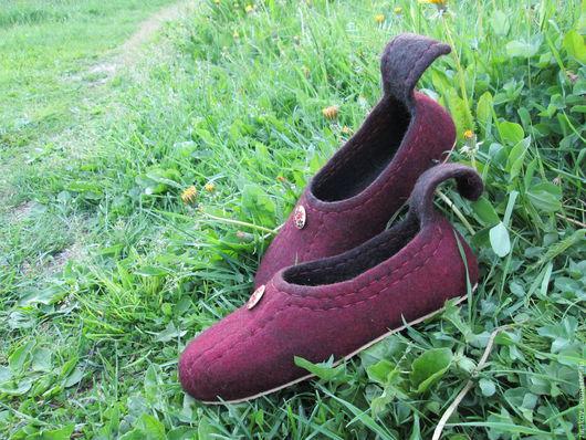 """Обувь ручной работы. Ярмарка Мастеров - ручная работа. Купить Валяные тапочки """"Вишня"""". Handmade. Бордовый, тапочки из войлока"""