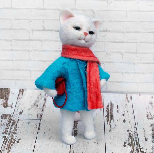 Игрушки животные, ручной работы. Ярмарка Мастеров - ручная работа. Купить Кошечка-модница. Интерьерная игрушка из шерсти. Handmade.