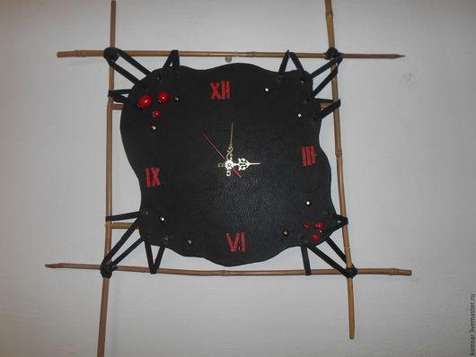 Часы для дома ручной работы. Ярмарка Мастеров - ручная работа. Купить часы настенные кожанные. Handmade. Комбинированный
