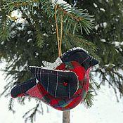 Подарки к праздникам ручной работы. Ярмарка Мастеров - ручная работа Снегирь игрушка из ткани сшита вручную. Handmade.