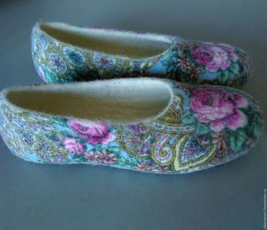 """Обувь ручной работы. Ярмарка Мастеров - ручная работа. Купить Тапочки валяные """"За околицей"""". Handmade. Комбинированный"""