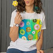 Одежда ручной работы. Ярмарка Мастеров - ручная работа Футболка с росписью Donuts Universe. Handmade.