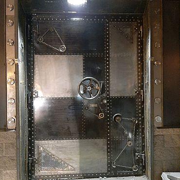 Для дома и интерьера ручной работы. Ярмарка Мастеров - ручная работа Входная дверь в стимпанк стиле. Handmade.