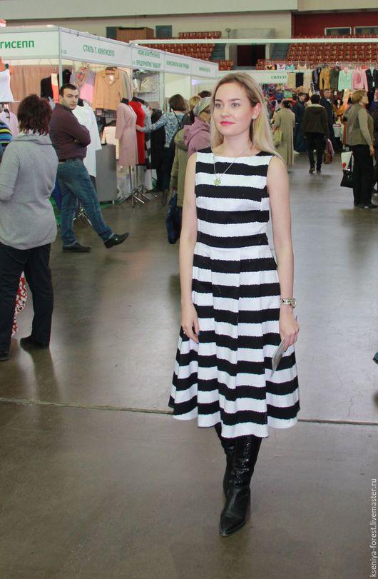 Платья ручной работы. Ярмарка Мастеров - ручная работа. Купить Яркое полосатое платье. Handmade. Чёрно-белый, полоска, складки