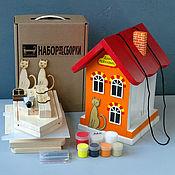 """Для дома и интерьера ручной работы. Ярмарка Мастеров - ручная работа Кормушка с дозировкой """"ДОБРО ПОЖАЛОВАТЬ"""" (набор для сборки) оранжевая. Handmade."""