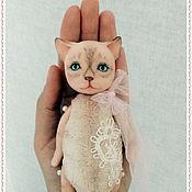 Куклы и игрушки ручной работы. Ярмарка Мастеров - ручная работа Кошка в ладошке. Handmade.