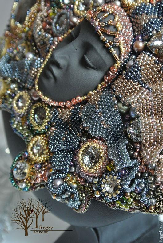 Шикарное, вышитое бисером колье с ликом , множеством кристаллов Сваровски и натуральным камнем Варда-владычица звезд. Купить колье ручной работы. Бисероплетение.Купить Ярмарка Мастеров