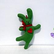 Аксессуары ручной работы. Ярмарка Мастеров - ручная работа заяц новогодний танцующий елочный. Handmade.