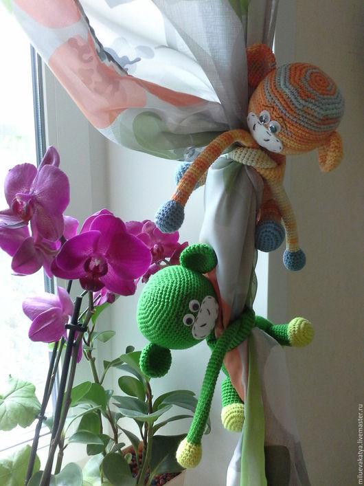 Детская ручной работы. Ярмарка Мастеров - ручная работа. Купить обезьянки (прихват для штор). Handmade. Комбинированный, амигуруми крючком