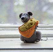 """Куклы и игрушки ручной работы. Ярмарка Мастеров - ручная работа Вязаная игрушка """"Мышь с сыром"""". Handmade."""