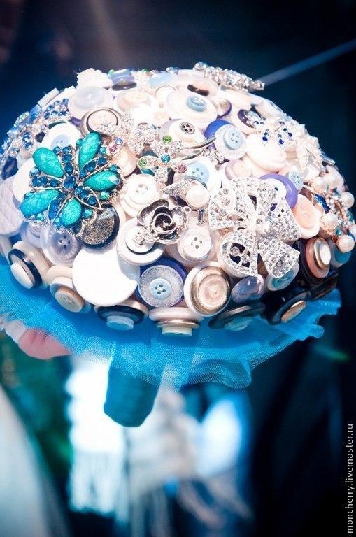 Брошь-букет из пуговиц в морском стиле (handmade Alexandra Chvileva)