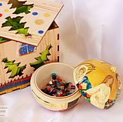 Подарки к праздникам handmade. Livemaster - original item Christmas ball-a stash of wood with the author. painted 10cm. A mother`s tale. Handmade.