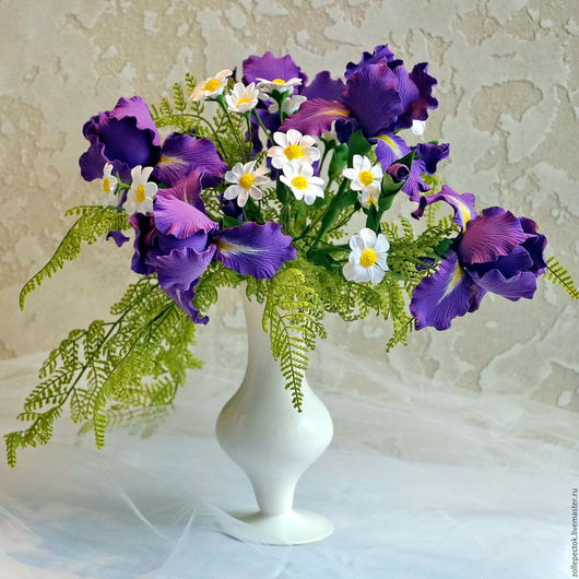 """Цветы ручной работы. Ярмарка Мастеров - ручная работа. Купить Букет """"Ирисы ромашки"""". Handmade. Ирис, букет цветов в подарок"""
