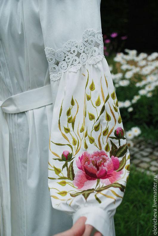 """Платья ручной работы. Ярмарка Мастеров - ручная работа. Купить Белое вышитое платье """"Утренний пион"""". Handmade. Белый"""