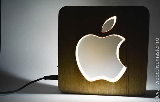 Светильник Ночник `Apple`  автор: Дмитрий Коротков ТМ Clever Wood натуральное дерево