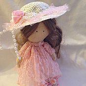 Куклы и игрушки ручной работы. Ярмарка Мастеров - ручная работа Текстильная кукла в шляпке. Handmade.