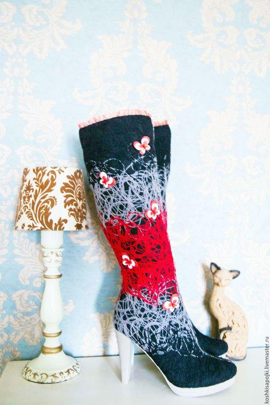 """Обувь ручной работы. Ярмарка Мастеров - ручная работа. Купить Сапоги  """"Бабочки"""". Handmade. Сапоги женские, народный, женская обувь"""