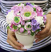 Цветы и флористика ручной работы. Ярмарка Мастеров - ручная работа Интерьерная композиция с пионами с вазе на ножке. Handmade.