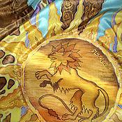"""Аксессуары ручной работы. Ярмарка Мастеров - ручная работа Шарф батик шелковый """"Геральдический лев"""". Handmade."""