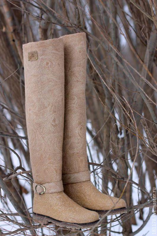 """Обувь ручной работы. Ярмарка Мастеров - ручная работа. Купить Валяные ботфорты """"Классика"""". Handmade. Бежевый, бежевые валенки"""