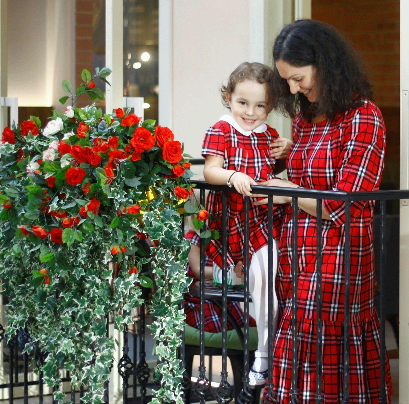 Комплект платьев для мамы и дочки (красный Burberry), Платья, Москва,  Фото №1