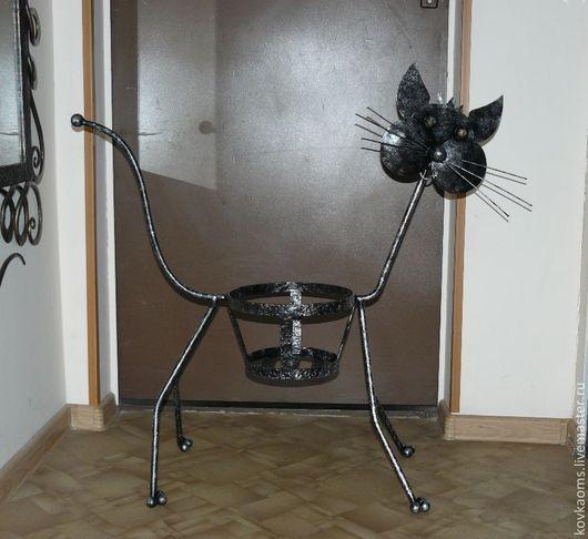 Котик, окрашенный серебряной патиной.
