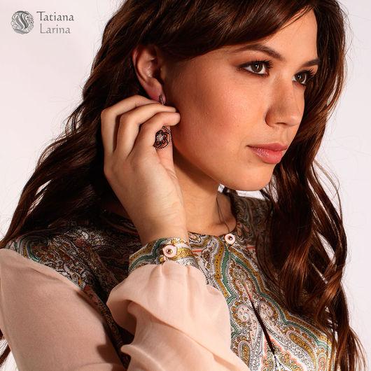 Шелковая блузка с прозрачными рукавами. Офисная блузка из натурального шелка. Персиковый цвет, блузка с прозрачным рукавом. Блузу из шелка можно носить с поясом.