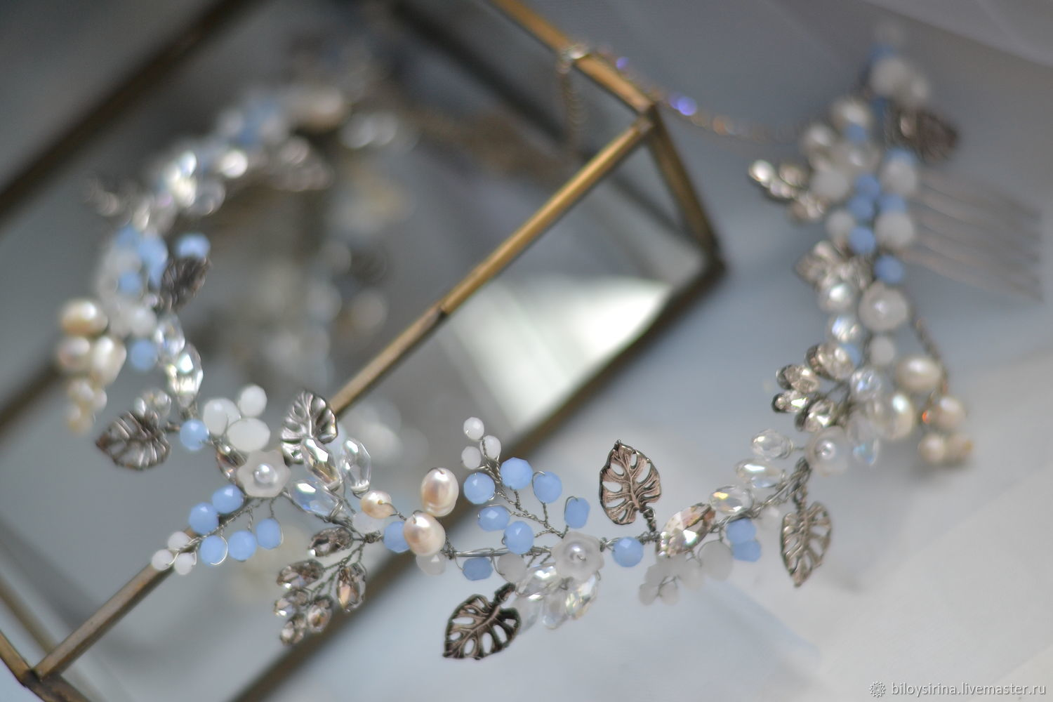 The twig in the bride's hairstyle, Tiaras, St. Petersburg,  Фото №1