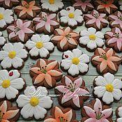 Подарки к праздникам ручной работы. Ярмарка Мастеров - ручная работа Пряники Цветы. Handmade.
