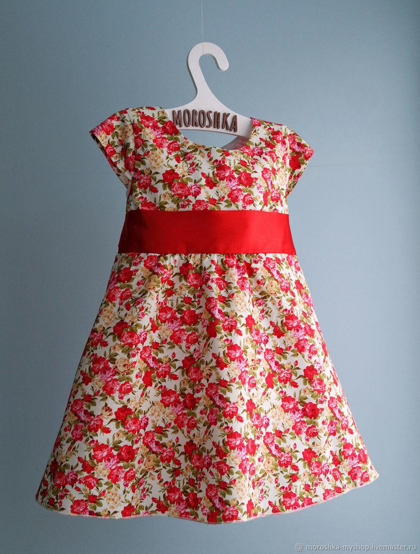 Платье нарядное детское с пышной юбкой Красные цветы