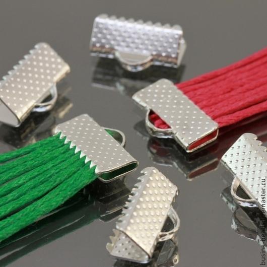 Концевики зажимы с зубчиками для лент и шнуров цвета светлое серебро комплектами по 20 штук для использования в сборке украшений ручной работы
