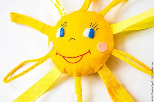 """Развивающие игрушки ручной работы. Ярмарка Мастеров - ручная работа. Купить Шуршащая погремушка """"Солнышко"""". Handmade. Желтый, развивающая, солнечный"""