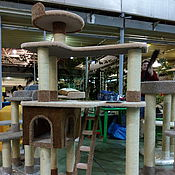 Для домашних животных, ручной работы. Ярмарка Мастеров - ручная работа Домик для кошек Аттракцион подходит крупным кошкам. Купить дом кошке.. Handmade.