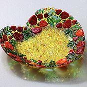 Посуда handmade. Livemaster - original item Plates: glass fusing Summer strawberry. Handmade.