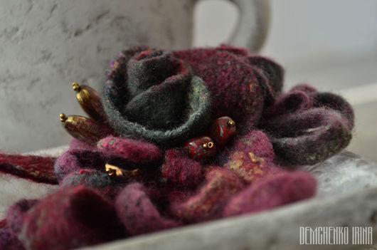 Броши ручной работы. Ярмарка Мастеров - ручная работа. Купить Валяная брошь «Чайные розы». Handmade. Розы, ретро, любовь