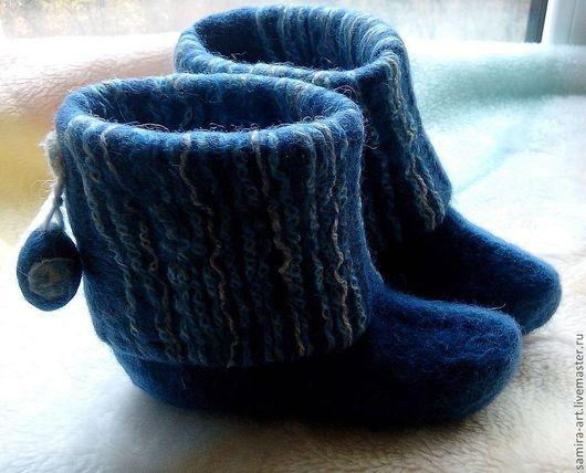 """Детская обувь ручной работы. Ярмарка Мастеров - ручная работа. Купить Валеночки детские домашние """"Guess"""". Handmade. Синий, войлок"""