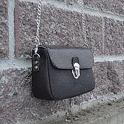 Сумка через плечо ручной работы. Ярмарка Мастеров - ручная работа Маленькая сумочка коричневого цвета. Handmade.
