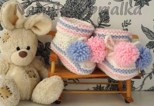 Для новорожденных, ручной работы. Ярмарка Мастеров - ручная работа. Купить Пинетки с веселыми полосочками и помпонами (розовый, сиреневый). Handmade.