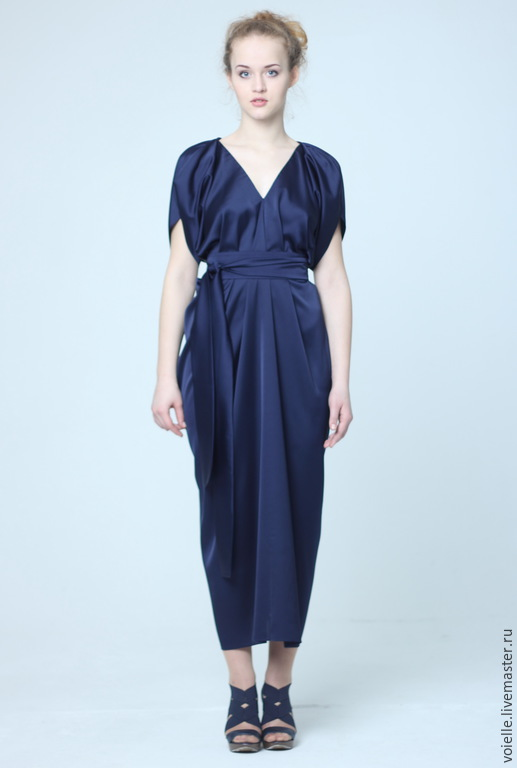 Платье длинное в пол темно-синее из атласа, вискозы нарядное свободного кроя комфортное для полных, для нестандартной фигуры, удобное, красивое, эффектное, необычное дизайнерское платье большой размер