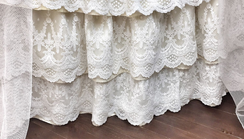 Подзор юбка для кровати с кружевом – заказать на Ярмарке Мастеров – JCUJARU | Детское постельное белье, Самара
