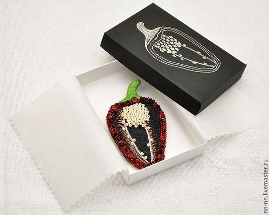 """Броши ручной работы. Ярмарка Мастеров - ручная работа. Купить Черная льняная брошь с ручной вышивкой """"Перец"""". Handmade."""