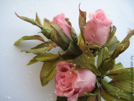 искусственные цветы роза, цветы ручной работы брошь,  шелковые цветы роза, бутоны роз розовые, брошь заколка роза,  ободок с цветами, обруч для волос   с цветком, изделия из шелка, розовые бутоны ро