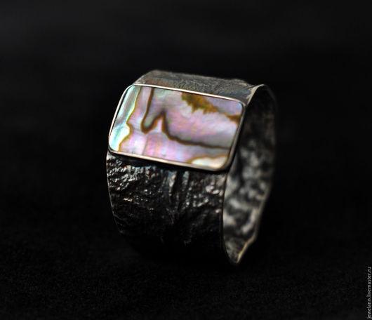 """Кольца ручной работы. Ярмарка Мастеров - ручная работа. Купить Кольцо """"Ультрамарин"""". Handmade. Мужское кольцо, Ультрамарин, перламутр"""